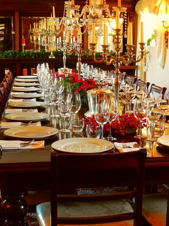 Тонтон, UK: Big Table at the Holman Clavel