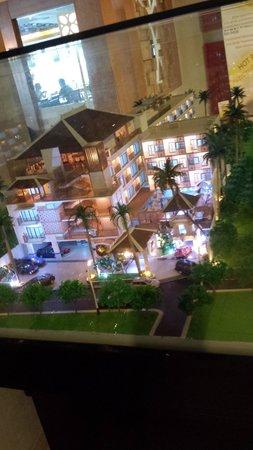 Horison Seminyak Bali: Model of the hotel at the lift lobby