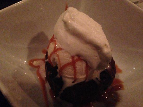 C Salt Wine Bar & Grille: Chocolate Ganache Cake