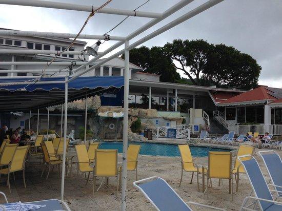 Bluebeard's Castle Resort : Pool Deck
