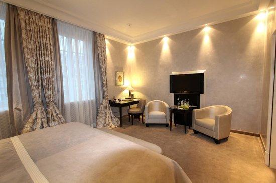 Bayerischer Hof Hotel: Suite