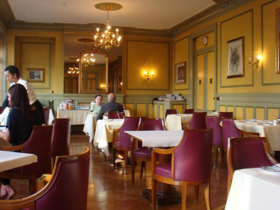 Hotel Longemalle: Завтрак в ресторане