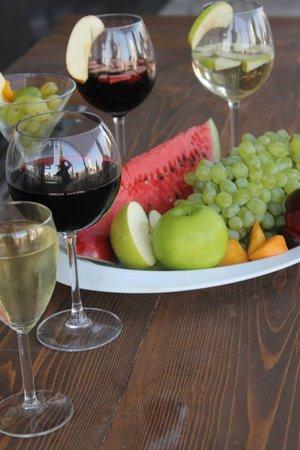 Hotel Halkidona: Summer Wine