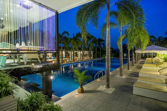 Jacuzzi Villa  Picture Of Lotus Villas & Resort Hua Hin. Le Meridien Kota Kinabalu Hotel. Guillem Hotel. Dann Carlton Medellin Hotel. The Oberoi Mumbai Hotel. Bull Inn. Hotel Nautilus Santa Teresa. Le Cottage Bise Hotel. Hotel Tressane