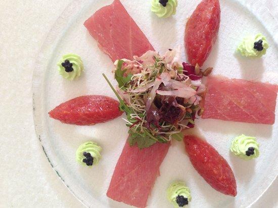 Restaurant des Trois Tours : Carpaccio et tartare de thon à la crème de wasabi