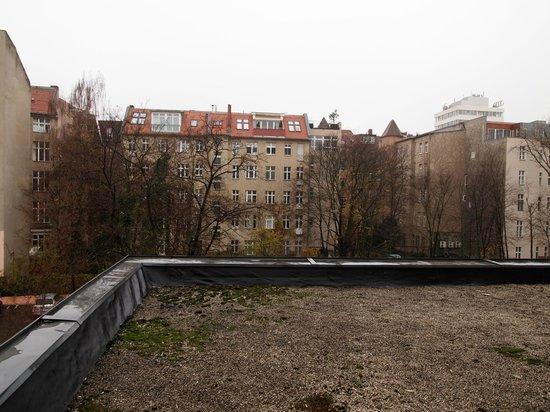Mercure Hotel Chateau: Utsikt mot innergård.