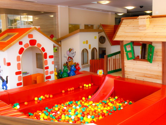 Cavallino Bianco Family Spa Grand Hotel : Children Assistance from 1 month