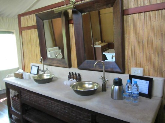 Thakadu River Camp: Vanity