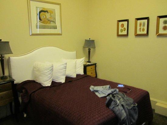 Seton Hotel: letto