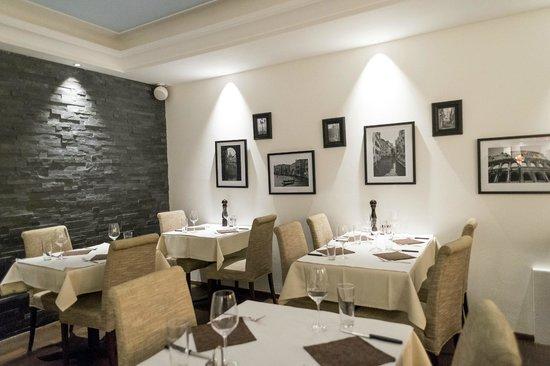 Boutique Hotel Weisses Kreuz: Restaurantraum Chrützli