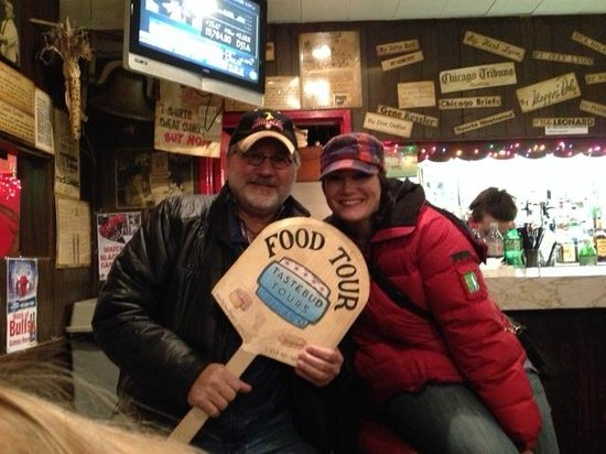 Tastebud Tours - Chicago Food Tours: Lynn and Tiffany at Billy Goat Tavern