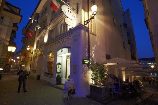 Boutique Hotel Weisses Kreuz: Aussenansicht Hotel