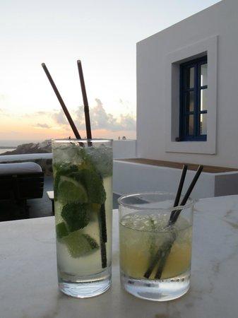 Ikies - Traditional Houses: abendliche Cocktails auf der eigenen Terrasse
