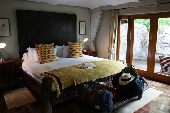 Ulusaba Rock Lodge : Master suite - Bed