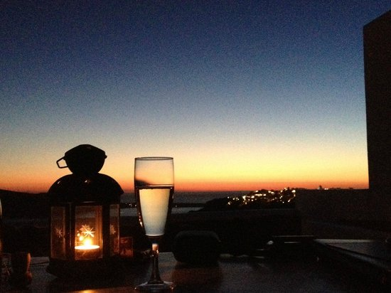 Ikies - Traditional Houses: Stimmung nach Sonnenuntergang auf unserer Terrasse