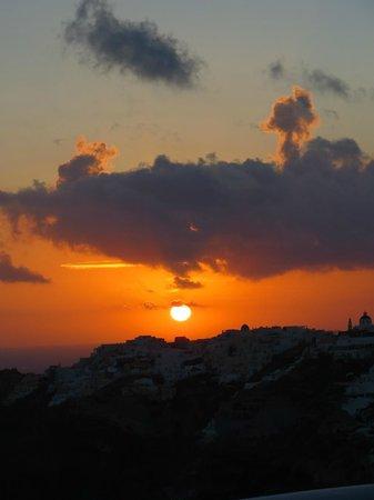 Ikies - Traditional Houses: Sonnenuntergang von unserer Terrasse aus