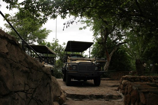 Ulusaba Rock Lodge: The 4x4 jeep that takes us on our game drives