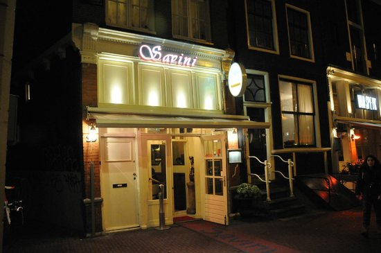 Ristorante Savini: One entrance (Restaurant runs through entire block so  another entrance on the other side of bld
