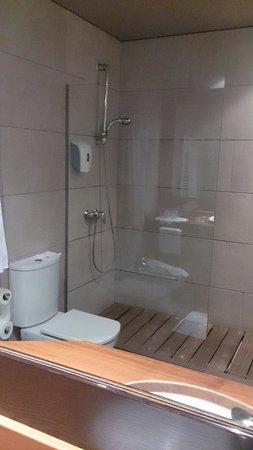 Hotel El Patio: Baño