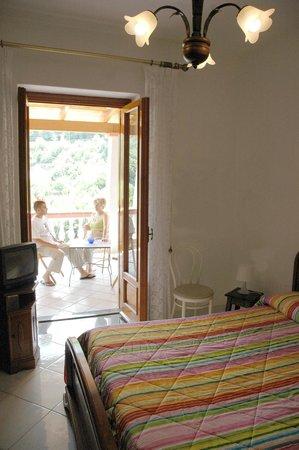 Bed and Breakfast Villa Lucia Ischia: Camera quadrupla