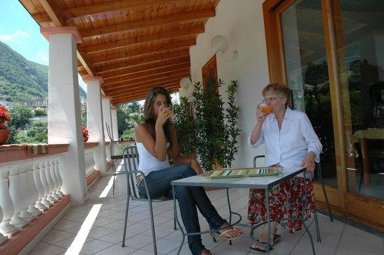 Bed and Breakfast Villa Lucia Ischia: Terrazza vista monte