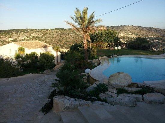 Casa Imbastita Relaxliving: La piscina