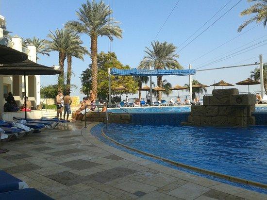 Leonardo Plaza Hotel Dead Sea: бассейн