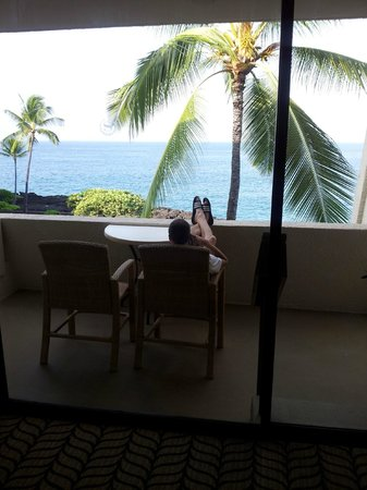 Sheraton Kona Resort & Spa at Keauhou Bay: Kicking back on our patio