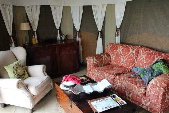 The Elephant Camp: Living room area