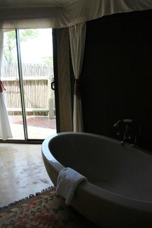 The Elephant Camp: Bathroom