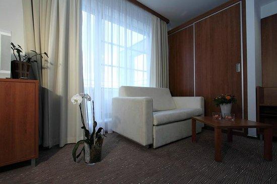 Academic Hotel & Congress Centre: Room