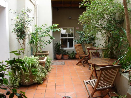 Cape Town Backpackers: Beautiful courtyard