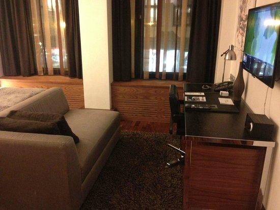 GLO Hotel Kluuvi Helsinki: Sofa