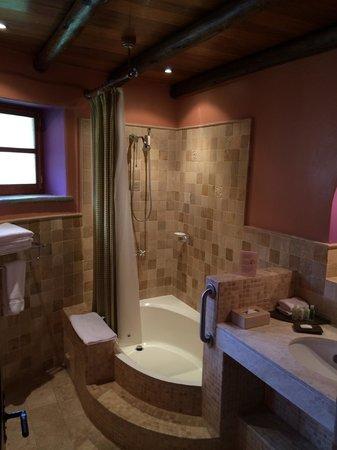 Sol y Luna - Relais & Chateaux: Shower/Bath