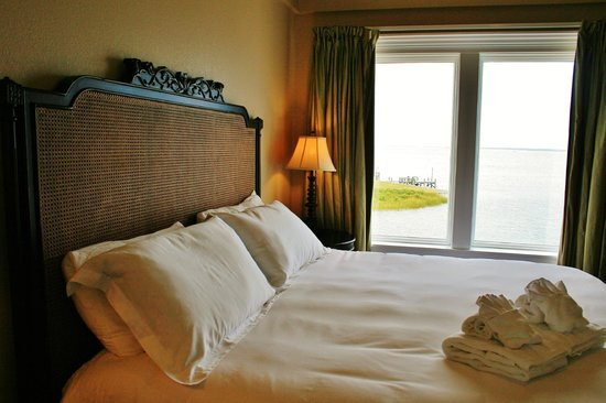 Oasis Suites Hotel: Water Views from the bedroom