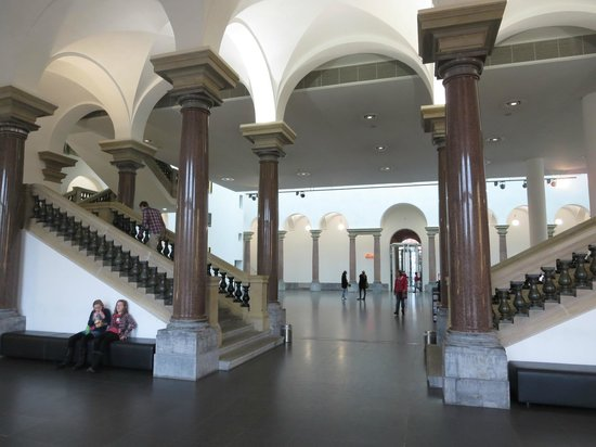 Kunstsammlung Nordrhein-Westfalen : The hall