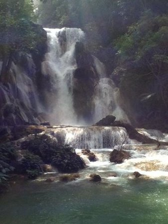 Kuang Si Falls: beautiful