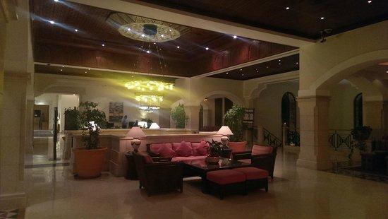 Movenpick Resort & Spa Dead Sea: lobby