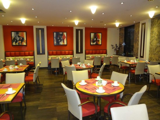 Crowne Plaza Hotel - Athens City Centre: Breakfast / Dinning Hall