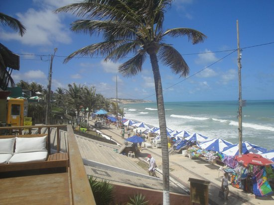 Manary Praia Hotel: Vue depuis la piscine