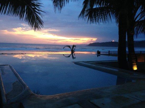 El Sitio Playa Venao: sunset at the El Sitio hotel