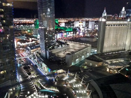 ARIA Resort & Casino: Junior Suite View (special lens)