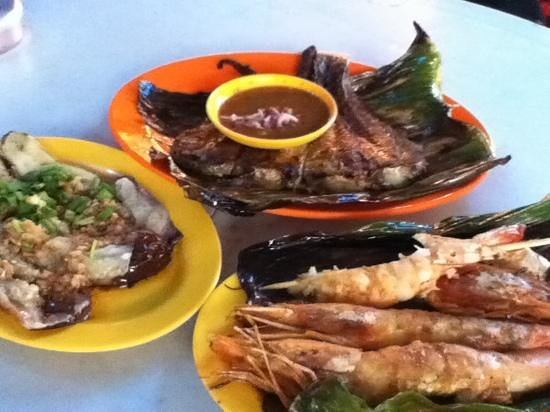 Red Garden Food Paradise & Night Market: delish!