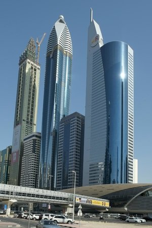 Towers Rotana: Högt och supermoderna torn.