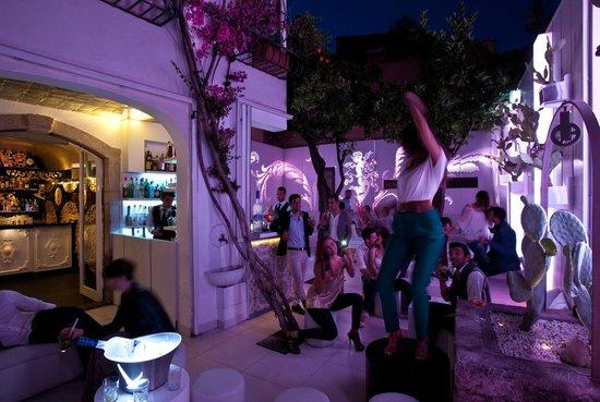 Morgana Lounge Bar Taormina : Ibiscus Garden