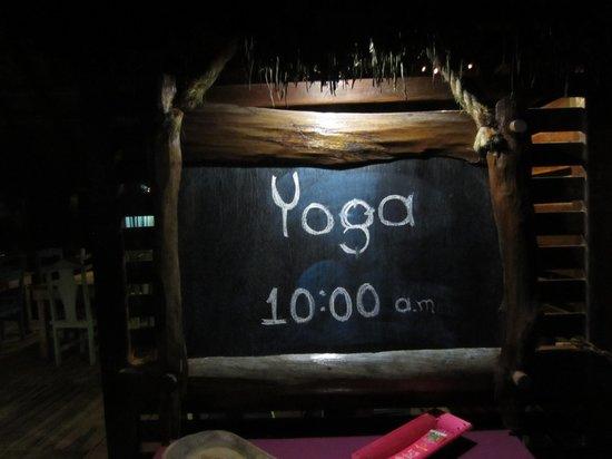 Hemingway Eco Beach Resort: Yoga!