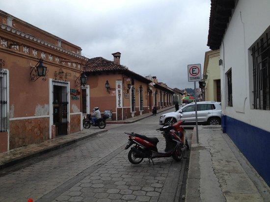 Diego De Mazariegos: les deux bâtiments séparés par une rue