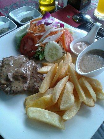 John's Garden : pork steak mit peppersauce