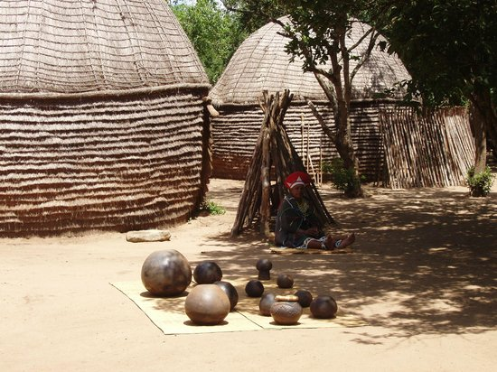 Gooderson DumaZulu Lodge and Traditional Zulu Village: Village