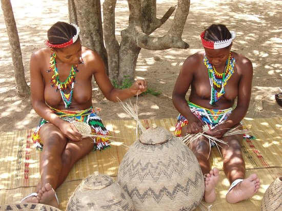 Gooderson DumaZulu Lodge and Traditional Zulu Village: Les zoulous